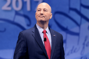 https://www.gambleonline.co/app/uploads/2021/02/pete-ricketts-nebraska-governor-1.png