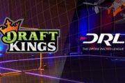 Logo DraftKings dan DRL Dengan Gambar Drone Selama Medan Perang