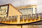 Logo Golden Nugget Dari Dekat di Kompleks Kasino