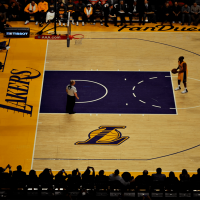 https://www.gambleonline.co/app/uploads/2021/04/la-lakers-game-at-staples-center-1.png