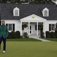 https://www.gambleonline.co/app/uploads/2021/04/Dustin-Johnson-and-Tiger-Woods-Masters-2021-1.jpg