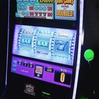 https://www.gambleonline.co/app/uploads/2020/07/slot-machine-vlt-1.jpg